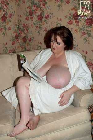 Layna ssbbw escorts in Wickliffe